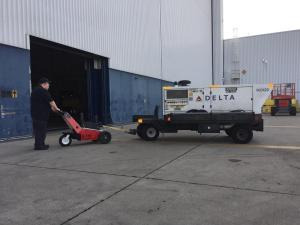 Trailer Mover at Airlines 3