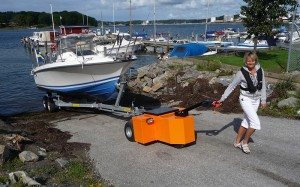 HD-Trailer-Mover-pulling-boat-trailer-up-slipway