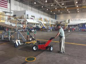 Trailer Mover at Airlines 1