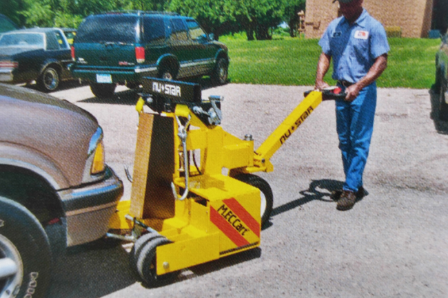 Electric Car Mover with Hydraulic Lift   Vehicle Mover