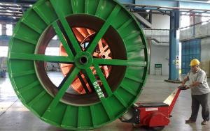 Dual Motor Super Power Pusher pushing 40,000Kg cabke drum